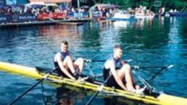 ESIMESED SAMMUD: Pilt pärineb mullukevadiselt Ratzeburgi regatilt, kus Andrei Šilin (paremal) ja Leonid Gulov saavutasid paariskahesel karjääri esimese kaaluka võidu.