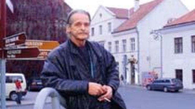 VIIMANE KOHTUMINE CARMENIGA: Viimati kohtus Viktor lastega 1999. aastal Tartu Werneri kohvikus. Toona otsisid lapsed isa üles. «Hästi südamlik kohtumine oli,» meenutab isa Viktor.