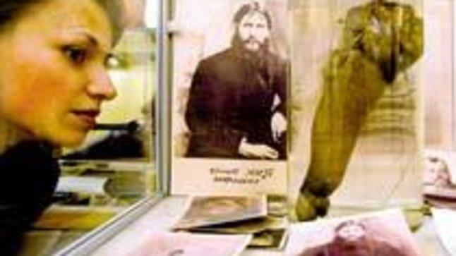 HARULDUS: Peterburis erootika- ja seksimuuseumi asutanud Igor Knjazkin väidab, et ta on vaatamiseks välja pannud 1916. aastal mõrvatud kurikuulsa munga Grigori Rasputini 30 cm pika peenise.