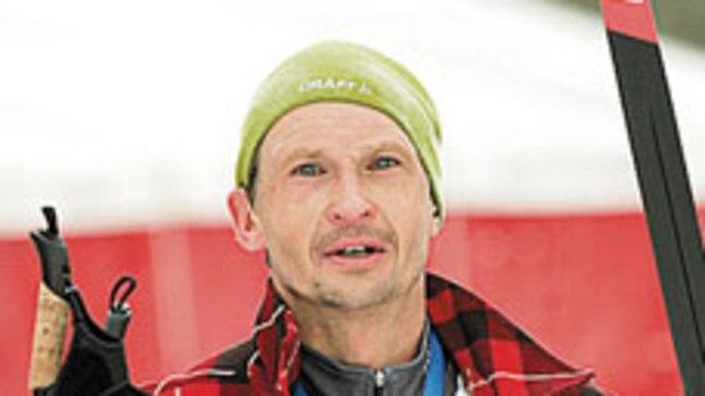 JÄLLE KOOS: Veidi üle kolme tunni suuskadel pingutanudJüri Jaansoni võttis  finišis vastu abikaasa ja sõudetreener Tatjana.