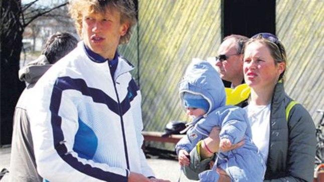 PERE KESKEL: Leonid Gulov abikaasa Kristiana ja poja Daniiliga pärast Pärnu ühepaadisõidu võitmist.