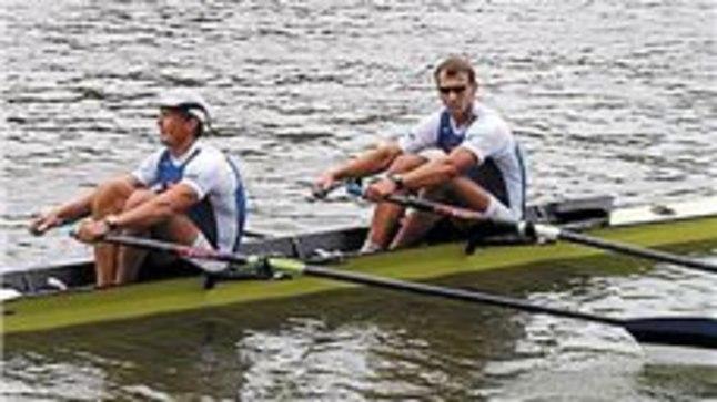 OTSAD LAHTI: Jüri Jaanson (vasakul) ja Tõnu Endrekson jätkaksid meeleldi nii kaheses kui ka poole suuremas paadis.
