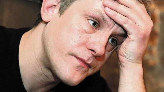 SATTUS HAIGLASSE: Rahva armastatud näitleja Jan Uuspõllu viisid sõbrad reedel Tartus haiglasse. Näitleja tundis, et ei suuda lavale astuda.