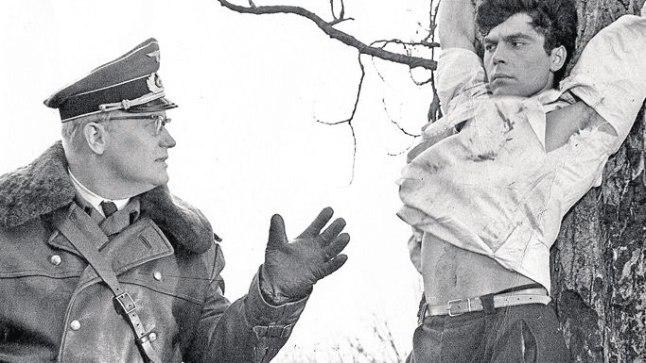 EESTIS ONU REMUS, NSV LIIDUS FAŠIST: Eestis onu Remusena ja vahva sõduri Švejkina tuntud Tõnu Aava (vasakul) hinnati Nõukogude kinos ilmeka fašistide kehastajana.