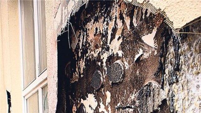KOOLIMAJA PÕLENUD SEIN: Maikuise tulekahju tagajärjed Tartu Herbert Masingu kooli seinal on veel praegugi näha. Päästekeskuse kinnitusel sai kannatada 4–5 ruutmeetrit seina.