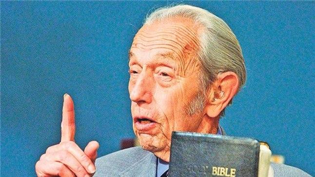 MAAILMALÕPP: USA jutlustaja Harold Camping (89) kinnitab, et jõudis piiblit põhjalikult uurides tõdemuseni, et maailmalõpp saabub juba selle aasta 21. mail kell kuus õhtul.