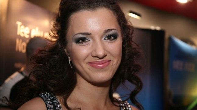 Teiste seas sõitis Monte Carlo sära nautima ka Edgar Savisaarega isiklikul pinnal seostatud 22-aastane Sofja Derjugina.