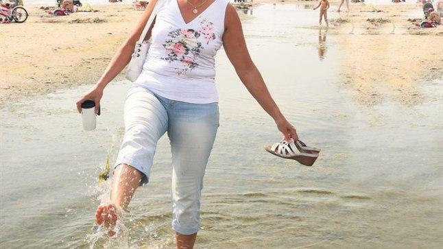 Vaba inimesena võib Tatjana Jaanson nüüd jõel tiirutamise asemel nautida Pärnus rannamõnusid.