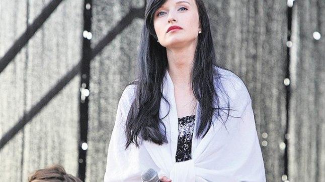 VIIMATI PÜÜNEL: Sandra Nurmsalu astus viimati lavale 9. juunil Käsmus, kus esitas laule Ruja repertuaarist.
