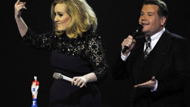 Tänukõne katkestamisest häiritud Adele