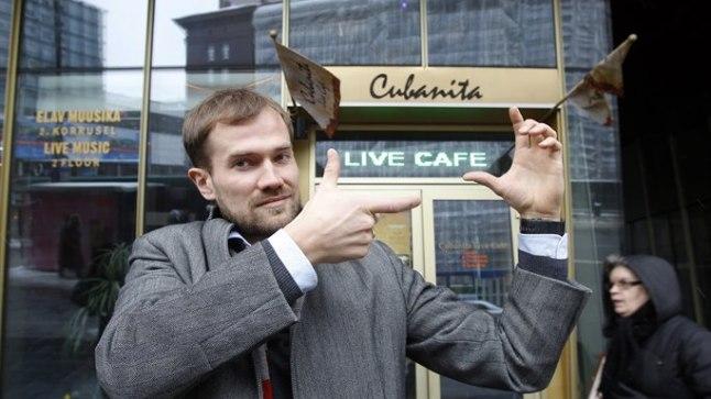 EI SAA MUUTA: Cubanita Live Café juhataja Daniil Kukuškin ütleb, et ta ei saa nime muuta – see nõuaks liiga palju eurosid ja tähendaks kahe aasta töö nullimist.