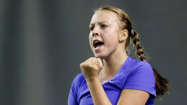 RUTIIN: 10000dollarilisi turniire võidab Anett Kontaveit mängeldes.