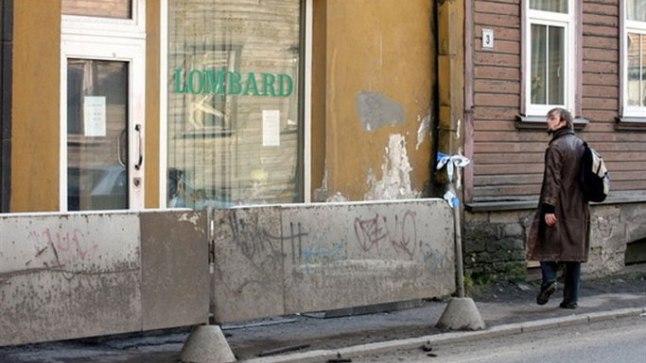 Tallinnas Toompuiestee ja Tehnika tänava nurgal asuv Toome Lombard, kus mõrv aset leidis.
