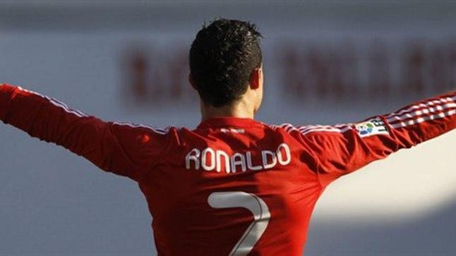Cristiano Ronaldo rõõmustab pärast väravalöömist.