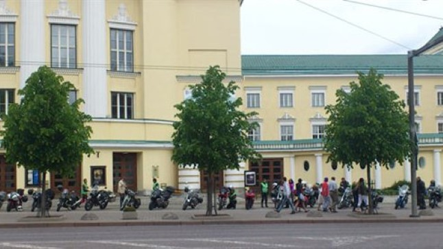 Kultuurne Motobande kogunes 2. juunil Rahvusooper Estonia ette.