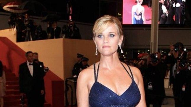 Reese Witherspooni puhul on sõnadetagi selge, et ta ootab beebit.