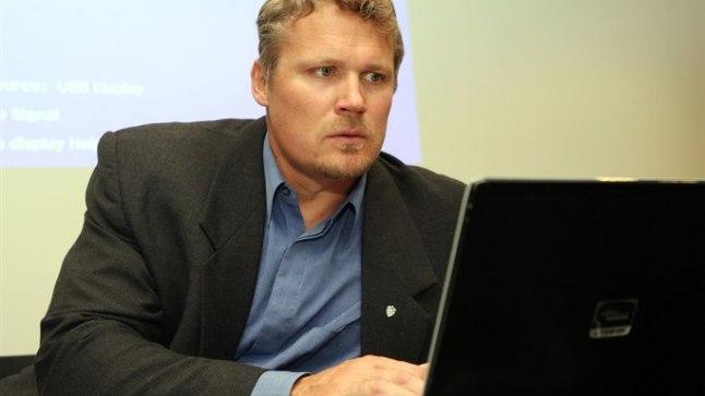 KONTORIROTT: Eile esines kuu aja pärast viiendale olümpiale sõitev Aleksander Tammert kõnega neli tundi väldanud spordiseltsi Kalev üldkogul.