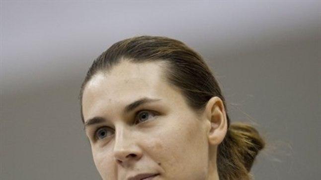 Irina Embrich aitab Londoni olümpial Suurbritannia esivehklejat.