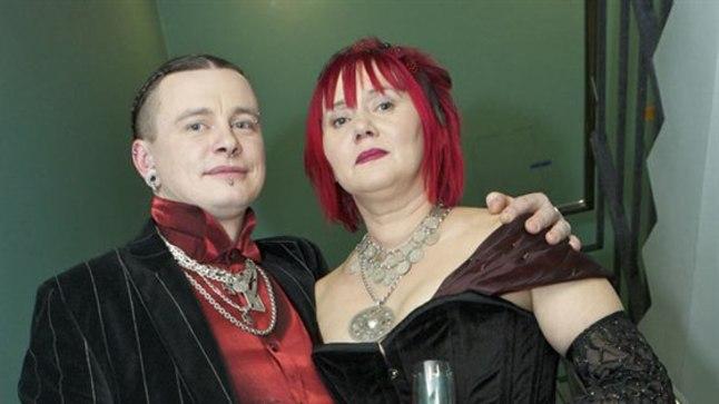 Näitlejanna Merle Jääger elukaaslase Imre Toomeoksaga presidendi vastuvõtul 2012. aastal.