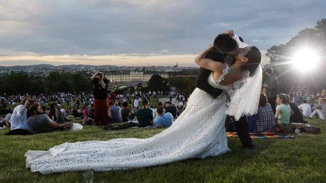 Et abieluõnn ka kümne aasta pärast õitseks, soovitavad teadlased igapäevaselt koos tööle sõita.