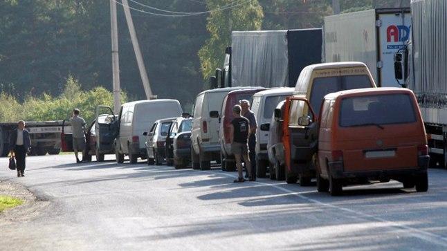 Kütusevedu piiripunktides. Pilt on illustreeriv.