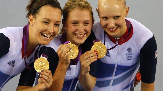Olümpiasangar Joanna Rowsell kaaslastega.