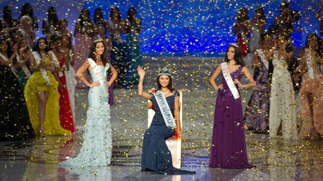Miss World 2012 Hiinas Sise-Mongoolias Ordosi Stadium Arenal. Miss Maailmaks 2012 krooniti Hiina kaunitar Yu Wenxia, esimeseks printsessiks valiti Walesist pärit neiu ning teiseks printsessiks austraallanna.