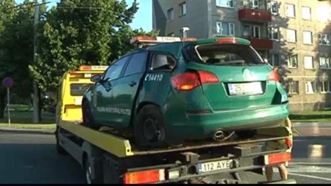 Laupäeva varahommikul sattusid Tallinnas Sõpruse puiestee ja Vilde tee ristmikul avariisse kaks autot, üks sõidukitest kuulus mupole.