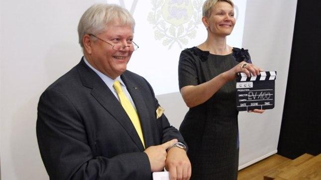 KELL KUKKUS: Kultuuriminister Rein Lang ja Eesti Filmi Sihtasutuse tegevjuht Marge Liiske kuulutasid välja ideekonkursi Eesti riigi sünnipäevafilmide leidmiseks.