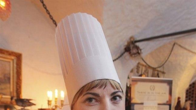 HOIAME PÖIALT: Kuidas Heidi Pinnakul läheb, saab kolmapäeval südapäevast jälgida Eesti Kulinaaria Instituudi Facebooki lehel.
