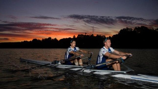 SUVESOOJAS: Allar Raja (vasakul) ja Kaspar Taimsoo Sydney lähistel, kaunis päikeseloojangus harjutamas.