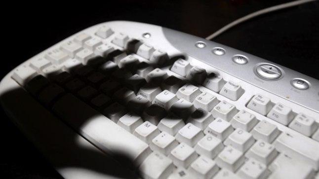 Naist üritati interneti teel petta. Pilt on illustreeriv!