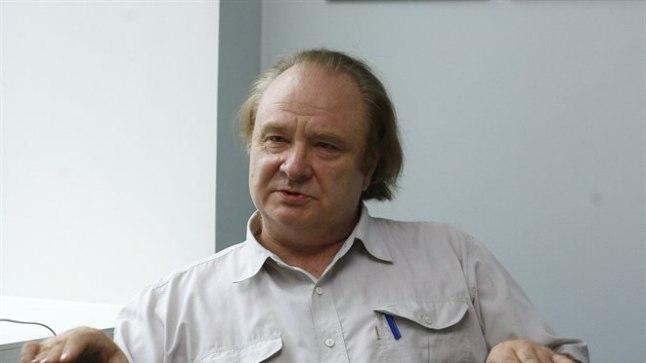 «Olen olnud alati arvamusel, et laulmisega ei saavutanud me mitte mingil moel vabadust ja nendest ühisüritustest ei hoolinud absoluutselt tollased Nõukogude Liidus võimulolijad.» Valitsuse salajase sidekeskuse ülem Aadu Jõgiaas