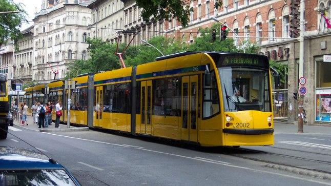 NIRVAANA: Maailma pikimas, 54meetrises trammis mööda Budapesti tänavaid kulgemine õilistab iga inimest.