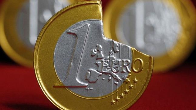 MURELAPS: Euroopa Liidus on taas alanud diskussioon ühisraha euro tuleviku üle. Osa eksperte arvab, et Euroopa Liidu päästmiseks tuleks eurost üldse loobuda. Teised jälle on seisukohal, et praegune euro tuleks jagada kaheks: tugevaks ja nõrgaks.