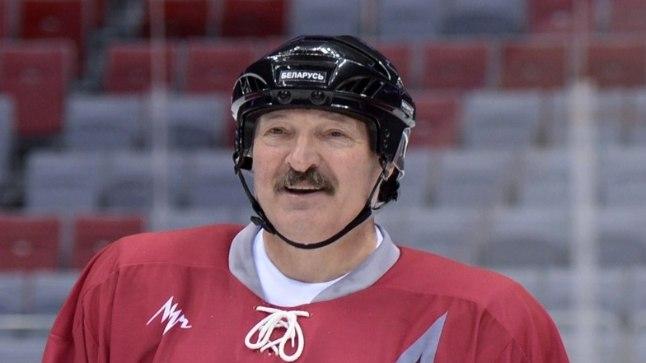 Aleksandr Lukašenka on suur spordi-, eriti aga hokifänn.
