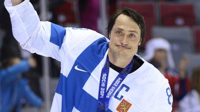 Soome jäähokikoondise 43aastane kapten Teemu Selänne võitis Sotšis olümpiapronksi, millega lõpetas 23 aastat kestnud koondisekarjääri.