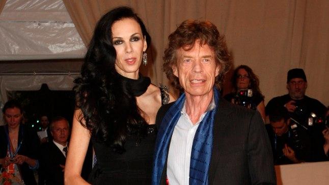 PINNUKS SILMAS: Mick Jaggeri bändikaaslased, aga ka pereliikmed ei suhtunud L'Wren Scotti just soojalt.