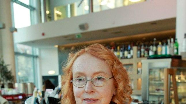 Epp Maria Kokamägi on üks neist kunstnikest, kes oma teose näitusele ja oksjonile paneb.