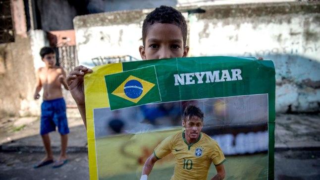 Jalgpalli MM Brasiilias tundub lihtsalt igas mõttes õige.