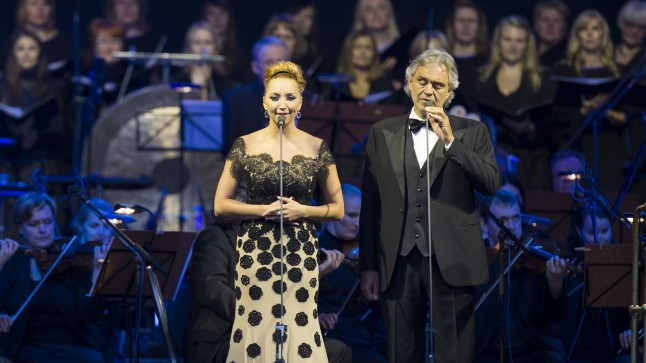 DUETIPARTNER TANJA: Loo «Canto della Terra» esitas Bocelli koos Tanja Mihhailovaga.