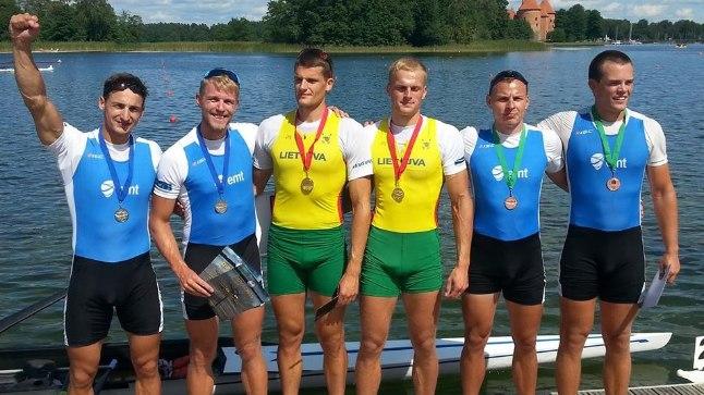 Eesti neljapaadi meeskond võttis teise ja kolmanda koha paarisaeruliste kahepaatide arvestuses. Neljapaatide arvestuses võeti esikoht.