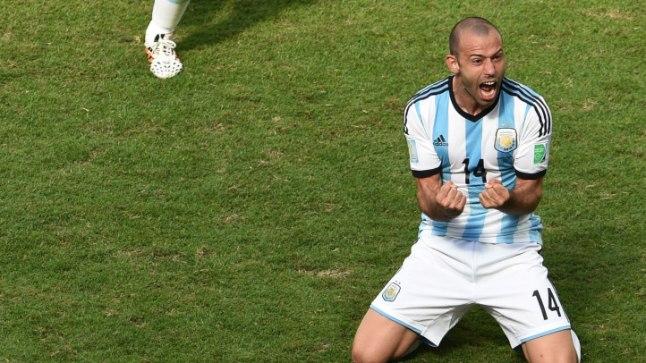 VÄIKE PEALIK: Kuigi Javier Mascherano palju väravaid ei löö, on ta Argentiina koondisele asendamatu.
