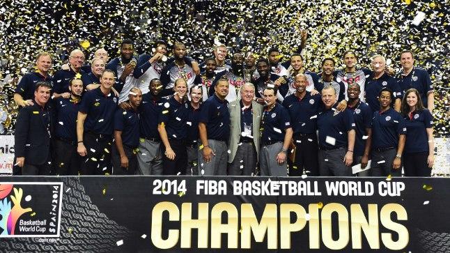 CHAMPIONS: USA kuldne meeskond.