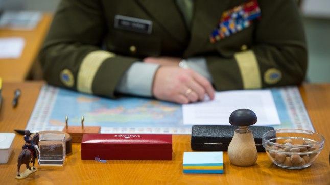 Valitsus kehtestas 22. jaanuaril 2015 kaitseväe juhataja kindralmajor Riho Terrase põhipalgaks 2015. aastal 4500 eurot kuus.