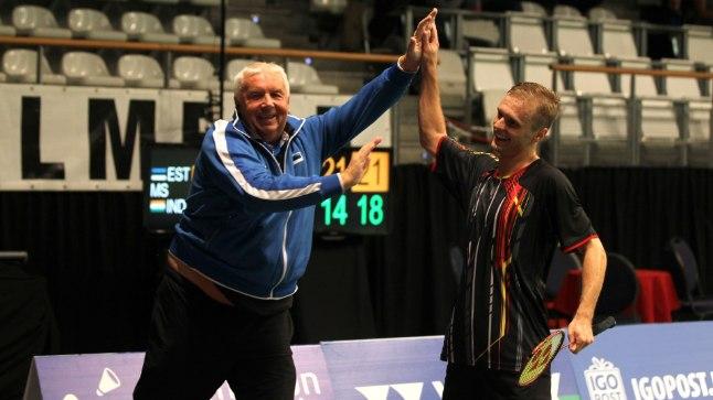 Raul Musta ja tema treeneri Mart Siliksaare võidukas käeplaks pärast veerandfinaali.
