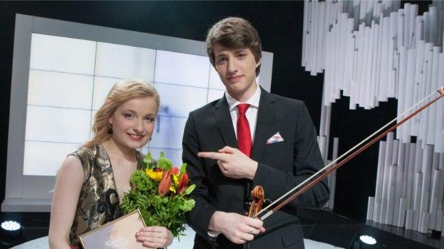 """Kaksikutest võitjad: """"Klassikatähed 2014"""" võitja Katariina Maria Kits ja """"Klassikatähed 2013"""" võitja Marcel Johannes Kits."""