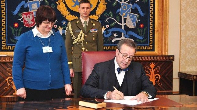 President Toomas Hendrik Ilves kutsus 24. märtsil 2015 kokku Riigikogu XIII koosseisu esimesele istungile 30. märtsiks.