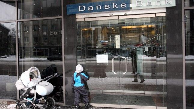 Danske pank maksis väikelapse emale 6000 eurot hüvitist, kuna lõpetas temaga töölepingu seadust rikkudes. Pilt on illustreeriv.