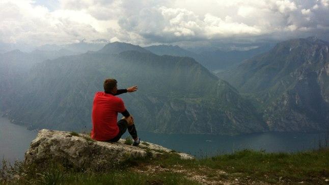 HURMAV: Rammo lemmikpaik on Alpide jalamil asuv  Garda järv Milano lähistel, kuhu kogunevad purjetajad igal suvel. Ka Eesti koondis on seal mitmeid aastaid treeninud. «Mäed, korralikud tuuled, väikesed külakesed seal ümber. Väga ilus koht!»